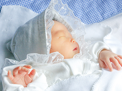 生まれたばかりの新生児